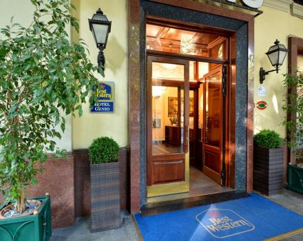 Best Western Hotel Genio in Turin - Entrance under the arcades of Corso Vittorio Emanuele